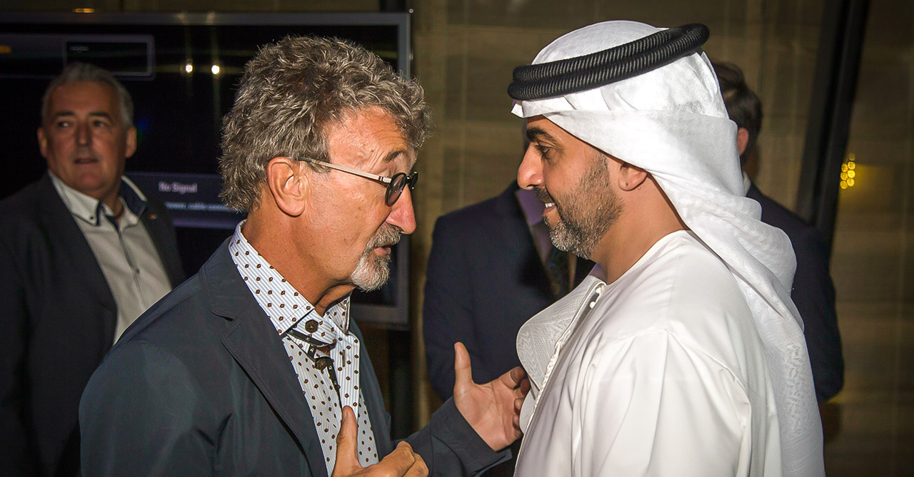 neuschwansteiner-abu-dhabi-eddie-jordan-and-his-royal-highness-sheik-support-world-childhood