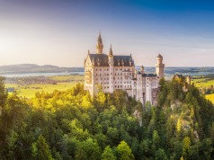neuschwanstein-in-summer-tales-from-the-castle-cover